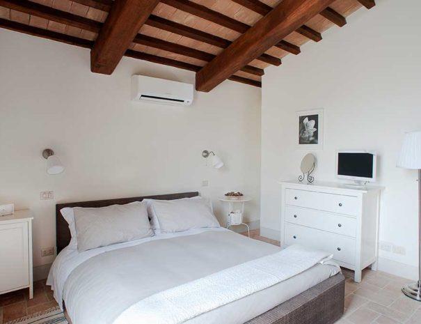 la-rimessa-appartamento-casale-marroggia-2